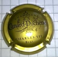 """Plaque De Muselet De CHAMPAGNE """" CANARD DUCHENE Charles VII """" Or Et Noir - Canard Duchêne"""
