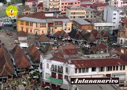 1 AK Madagaskar * Die Hauptstadt Antananarivo - Im Vordergrund Der Zentrale Zoma Markt * - Madagaskar