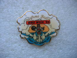 Pin's Daytona Beach. Bike Week 94. World's Largest Motorcycle Event (Bike Week 94 Le Plus Grand événement Moto Du Monde) - Moto