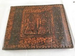 ATH - Monsieur Et Madame Goliath - Album En Cuir Repoussé Pour Photographies Ou Cartes Postales - Autres Collections