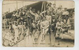 BATEAUX - GUERRE - Belle Carte Photo Portrait Militaires Sur Torpilleur SOMALI - Oorlog