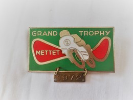 Moto - Mettet -  Insigne - Médaille Grand Trophy 1972 - Other