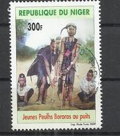 NIGER 2009 - YOUNG PEUHLS BOROROS AT THE WELL -  POSTALLY USED OBLITERE GESTEMPELT USADO - Niger (1960-...)