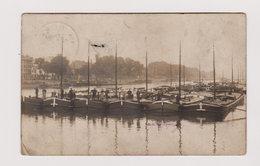 Carte Photo Ancienne : Plusieurs Péniches Accolées - Endroit à Situer - Circulée En 1911 -  2 Scans - Houseboats