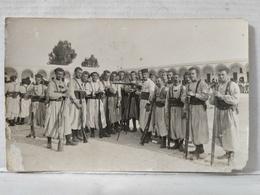 Tunisie. Zouaves - Régiments