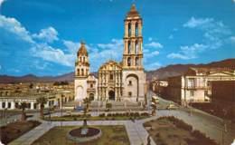 PLAZA DE ARMAS Y CATERAL. Saltillo, Coah. México. - Mexique