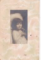 ENFANT PORTRAIT FILLE AVEC OISEAU BORDS EN RELIEF. CPA CIRCULEE 1906 A CAMPINAS, BRAZIL - BLEUP - Scene & Paesaggi