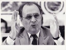 BERE43 Pierre BEREGOVOY (1) Présentation BUDGET Pour 1984 Photo-Presse GUENA / C.F.D 24.5x19 - Célébrités