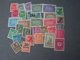 DR Lot  ** MNH - Briefmarken