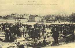 Types Toulousains Le Marché à La Ferraille Sur La Place St Sernin Le Dimanche RV Edit Cecodi - Toulouse