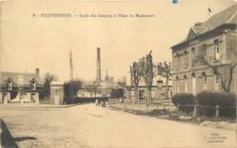02 - ESQUEHERIES - Ecole Des Garcons Et Place Du Monument - Autres Communes