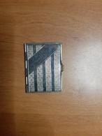 Petit Calendrier De 1934 Dans Un étui En Métal - Tissage De Rambervilliers Vosges - - Klein Formaat: 1921-40