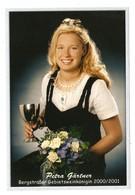 PHOTO KODAK - PETRA GARTNER BERGSTRABER GEBIETSWEINKONINGIN 200/2001 - REINE DI VIN - COUPE BOUQUET DE ROSES - Persone Anonimi
