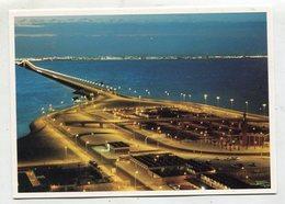 BAHRAIN - AK 350859 King Fahd Causeway With Saudi Coastline On The Horizon - Bahrein