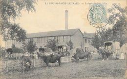 Le Bourg St Saint-Léonard (Orne) - La Laiterie Industrielle, Vaches Et Attelages - Francia
