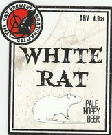 THE RAT BREWERY (HUDDERSFIELD, ENGLAND) - WHITE RAT - PUMP CLIP FRONT - Letreros
