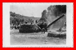 CPSM/pf  AGRICULTURE.  Battage Du Blé, Animé, Tracteur. Carte Photo...A805 - Cultivation