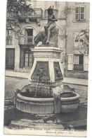LE PUY . LA FONTAINE VIBERT - LA JEUNE FILLE A LA CHEVRE . OEUVRE DE JULIEN . AFFR AU VERSO LE 4-8-1925 . 2 SCANES - Le Puy En Velay