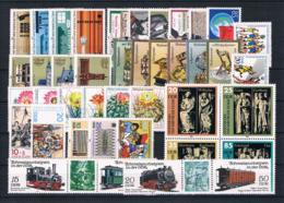 (029) DDR Posten/Lot Mit Kpl Sätzen **postfrisch - Lots & Kiloware (mixtures) - Max. 999 Stamps