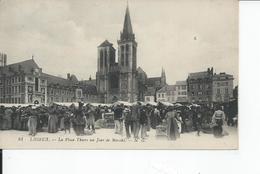 LISIEUX   La Place Thiers Un Jour De Marche - Lisieux