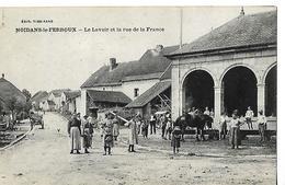 CPA Animée / 70 NOIDANS LE FERROUX / Le Lavoir Et La Rue De France - France