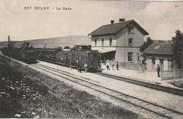 CPA 57 (Moselle)  DELME / L' INTERIEUR DE LA GARE / AVEC TRAIN / ANIMEE - Other Municipalities