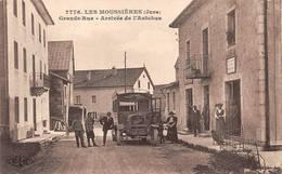 Les Moussières Arrivée De L'autobus De Saint Claude Bus Car Berliet Canton Les Bouchoux - Frankrijk