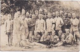 Guerre 1914-1918 - MILITAIRES Photo De 27 Hommes (dont Africains Ou Malgaches) Le 10/06/1918 - Voir Scans Recto Et Verso - Guerre 1914-18