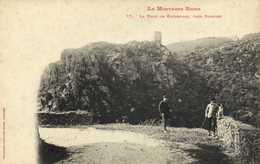 La Montagne Noire La Tour De Rochefort Près Durfort Personnages Chien Labouche RV - France