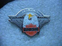 Pin's Moto Harley Davidson, Born Of Pride, Sweat, And Steel - Motos