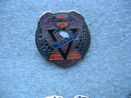 Pin's Moto Harley Davidson, Motor Cycles. V-Twin, Made In USA - Motos