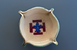 Ancien Cendrier Scout - Porcelaine
