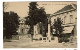 Jodoigne - Place De La Victoire - Le Monument - Edit. E. Latour - 2 Scans - Jodoigne