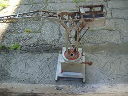 Ancienne Grue Joustra Le Mécanisme Fonctionne A Retendre Le Ressort - Toy Memorabilia