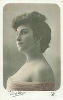 Belle Femme    -  Portrait             S2059 - Femmes