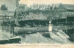 18 - AUBIGNY SUR NERE - Lavoirs Au Pont De La République En 1949 - Aubigny Sur Nere