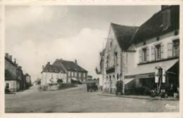 21 - TOUTRY - La Place En 1949 - Altri Comuni