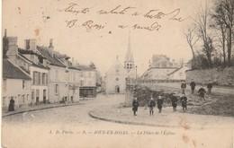 CPA JOUY EN JOSAS 78 - La Place De L'église - Jouy En Josas
