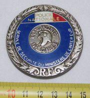 RARE ANCIEN OBSOLETE INSIGNE COMPAGNIE DE GARDE POLICE NATIONALE - Police & Gendarmerie