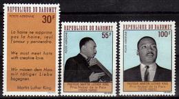 DAHOMEY   PA  75/77  * *  ( Cote 8.25e )  Prix Nobel Martin Luther King - Martin Luther King