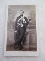 PHOTOGRAPHIE CDV - Officier Accoudé Cavalerie Second Empire [cliché DURAND LYON Circa 1862] - Ancianas (antes De 1900)