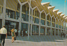 UAE - Abu Dhabi - Airport - Emirati Arabi Uniti