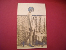 Beauté D'avant-guerre - Frauen
