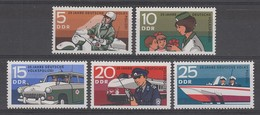 SERIE NEUVE D'ALLEMAGNE ORIENTALE - 25E ANNIVERSAIRE DE LA POLICE POPULAIRE NATIONALE N° Y&T 1292 A 1296 - Police - Gendarmerie