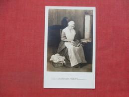 Carding Wool Harlow House  Plymouth Mass.  RPPC -  Ref 3398 - Craft