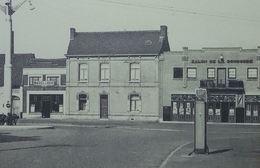 Harchies Place Bière Labor, Pompe à Essence, Salon De La Concorde - Bernissart