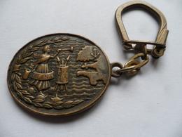 """(Militaria, Marine.....) - Porte-clés A.B. Paris  (Flotille)  """" DRAGUEUR De Mines  FLOLANT """".......voir Scans - Marine"""