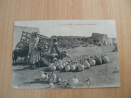 CP42/  TUNISIE EL DJEM LE MARCHAND DE GARGOULETTES / CARTE NEUVE - Tunisia