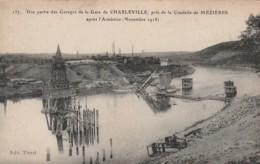 ***   Une Partie Des Garages De La Gare De Charleville Neuve TTBE - Charleville