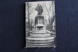 F-149 / Bruxelles - Square Du Petit Sablon - Statue Des Comtes D'Egmont Et De Horne /  Circulé 19 ? - Places, Squares